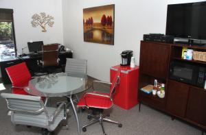 Executive-Suites-1600x1050
